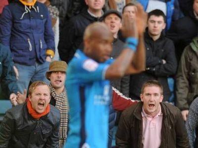 Momentul in care si-a semnat 'condamnarea'! Un fan englez a primit interzis 5 ANI pe stadioane! Clubul cu care tine i-a dat interzis pe VIATA!