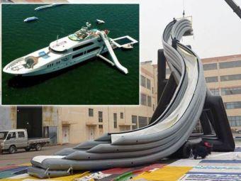 VIDEO Cea mai noua jucarie pentru miliardarii cu yachturi! Abramovic e primul care da comanda! Accesoriul de 30.000 de euro de pe ocean: