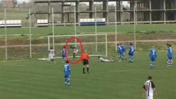 EPIC FAIL! Un fotbalist a oferit ieri ratarea ANULUI: bara de pe linia portii! Spectatorii au lesinat de ras: VIDEO