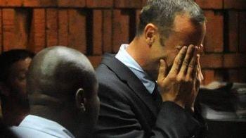INCREDIBIL! Si-a OMORAT iubita si acum PETRECE in club! Marturie socanta despre Oscar Pistorius! Cum a raspuns purtatorul sau de cuvant: