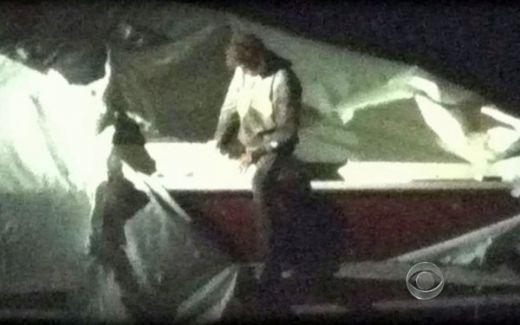 Al doilea terorist din Boston a fost PRINS! Trei noi suspecti au fost arestati! Explozie de bucurie la Boston, oamenii au iesit pe strazi! Imagini UNICE cu actiunile politiei! VIDEO