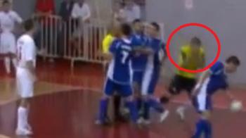 Un arbitru de futsal A FOST ARESTAT inainte sa se termine meciul. Ce GEST necugetat a putut sa faca: VIDEO