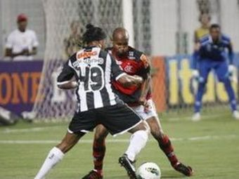Ronaldinho e GENIAL si atunci cand NU ii ies driblingurile! A ratat un dribling FORMIDABIL, dar tot 'i-a dat craci' unui adversar! VIDEO: