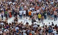 Sport extrem pe stadionul Wembley: Bataie monstruoasa la concertul lui Robbie Williams! VIDEO