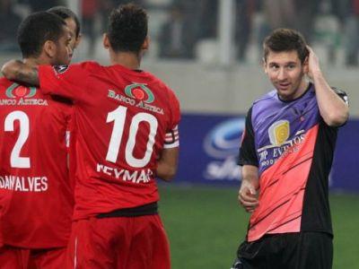 Neymar vs. Messi intr-un meci NEBUN cu 13 goluri! Neymar a inscris un gol formidabil de la 40 de metri, echipa lui Messi a castigat cu 8-5! VIDEO: