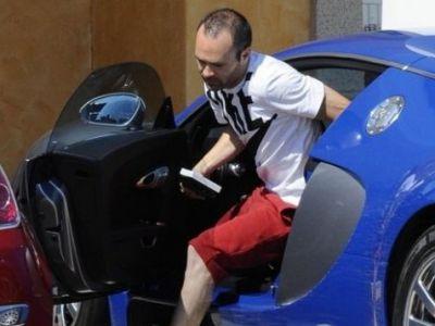 Iniesta e Regele soselelor! Mijlocasul Barcei conduce un MONSTRU de 2 mil €! Are 1200 CP si poate atinge viteza de 415 km/h!