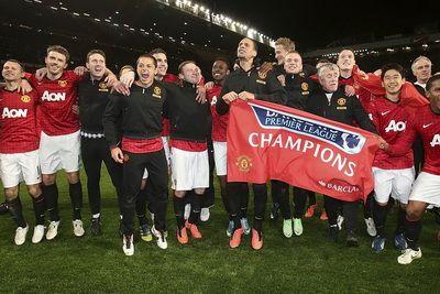 Manchester United isi schimba stema! Evolutia logo-urilor la MARILE echipe din Anglia! FOTO