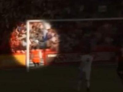 SOCANT! Cristiano Ronaldo i-a DISTRUS mana unui copil din tribune! Lovitura libera l-a facut KO pe copil! Reactia lui VIDEO