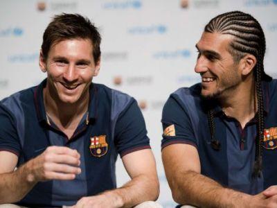 Nu l-ai recunoaste pe strada! Aparitie NEBUNA a unui star de la Barca! Cum a reusit sa-i amuze TERIBIL pe Messi si Xavi: