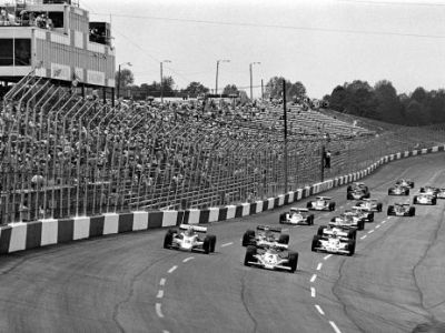 MAGIE, viteza si NEBUNIE! Ziua care a schimbat istoria curselor de masini! Imaginile de COLECTIE la 50 de ani de McLaren! FOTO