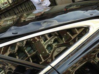 """""""Zgarie-nori-ul mi-a distrus masina!"""" Englezii sunt bulversati de vestea asta! Ce se intampla daca parchezi langa o cladire din sticla:"""