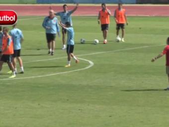 VIDEO Chiar si Del Bosque a zambit! Foarfeca DEMENTIALA a lui Pedro la antrenamentul Spaniei! Cum si-a uimit colegii: