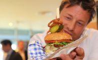 City, buget de 7 mil € pentru cel mai tare serviciu de catering de pe stadioanele din Europa! Ce le pregateste Jamie Oliver fanilor la fiecare meci: