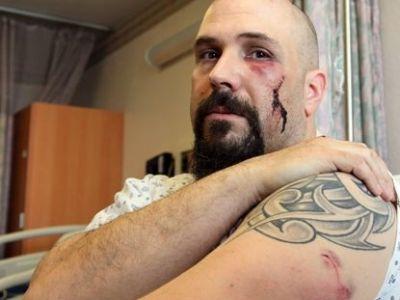 Daca nu ar fi avut 125 de kg ar fi fost un om MORT! Un antrenor de arte martiale a fost injunghiat DE 7 ORI si a castigat lupta: