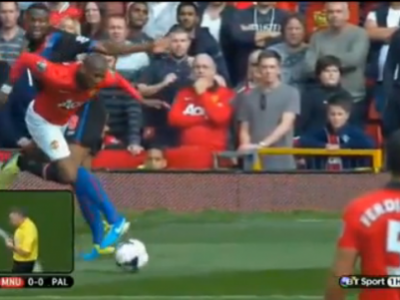 VIDEO: Cea mai penibila simulare a etapei in Premier League! Chiar si fanii lui United au ras cand au vazut ce face Ashley Young :)
