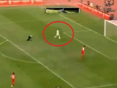 VIDEO: Ratare cumplita, singur cu poarta goala, tot stadionul a ras de el! Un atacant se poate lasa de fotbal dupa aceasta faza!