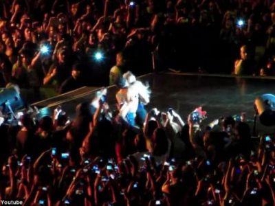 VIDEO Moment SOCANT! Beyonce, trasa cu forta de pe scena de un spectator! Reactia GENIALA a artistei: