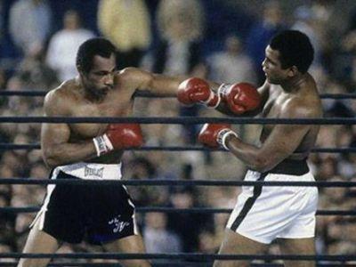 TRAGEDIE in lumea boxului! Omul care i-a RUPT fata lui Muhammad Ali a murit noaptea trecuta! Era poreclit spargatorul de falci!