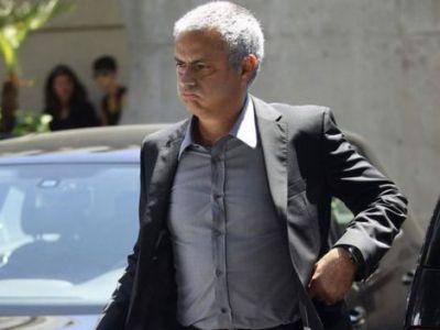 E asta cea mai tare imagine DIN ISTORIE cu Mourinho? Cum a fost surprins dupa UMILINTA cu Basel din Liga