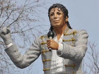 Michael Jackson 'pleaca' de la Fulham! Ce decizie a luat clubul in privinta statuii instalate in fata stadionului dupa moartea artistului:
