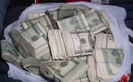 Un om al strazii A RETURNAT o geanta cu 42.000 de dolari. Acum are mai multi bani decat putea visa! Cum s-a intamplat asta: