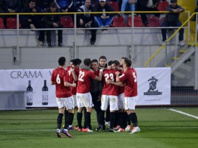 INCREDIBIL! Cea mai saraca echipa din Liga I isi plateste REGESTE antrenorul! 200.000 de euro pentru locul 17! Cine e sub Reghe in topul antrenorilor!