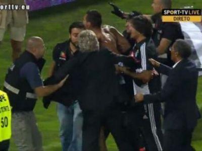 Antrenorul Benficai s-a BATUT cu stewarzii la ultimul meci din campionat! O sa razi dupa ce afli care a fost motivul :)) VIDEO