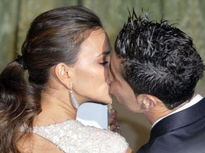 Cea mai SEXY poza de pana acum cu Irina Shayk! Logodnica lui Ronaldo a pus o imagine cu ea GOALA pe net! Cum arata: