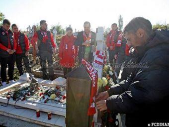 EMOTIONANT! Stoican i-a dus pe dinamovisti la mormantul lui Haldan! 13 ani de lacrimi pentru 'Unicul Capitan'! FOTO