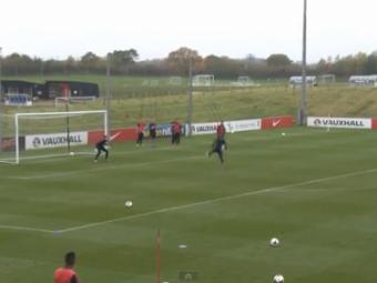 VIDEO Anglia are TALENT! Calcai genial reusit de un pusti de la nationala U21! Cum l-a umilit pe portar: