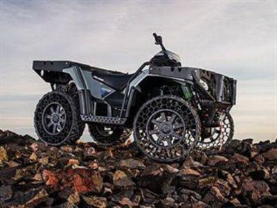 VIDEO ATV-ul construit special pentru APOCALIPSA ZOMBIE! Bestia care circula pe orice suprafata si rezista la orice atac!
