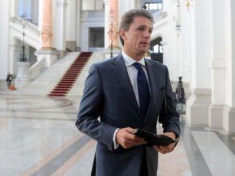 "Acuzatii extrem de GRAVE pentru Gica Popescu! Un candidat la sefia FRF anunta: ""Kassai ameninta oamenii cu interventii brutale!"""