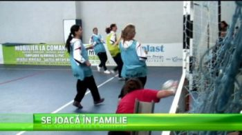 Echipa de fotbal fete a Otelului se pregateste sa intre in Cartea Recordurilor: singura echipa in care joaca numai surori :) VIDEO
