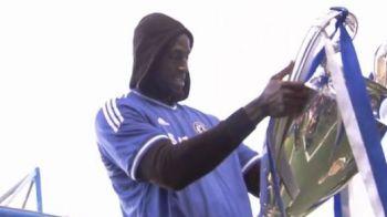 S-a intors Drogba la Chelsea? Imagini de senzatie din vestiarul de pe Stamford Bridge! Ce au fost pusi sa faca STARURILE lui Mourinho!