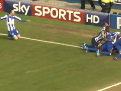 Gol DRAMATIC in Anglia! Au castigat meciul dupa sapte minute de prelungire! Tot stadionul a izbucnit in ras cand a vazut asta: VIDEO