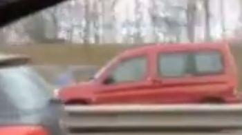 Momentul in care toti soferii au sunat speriati la politie. Ce facea aceasta soferita pe autostrada! VIDEO