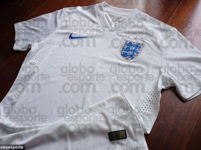 Anglia se intoarce IN TIMP. Tricourile istorice pe care jucatorii le vor purta la Mondialul din Brazilia