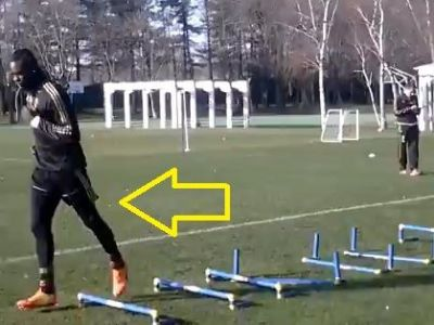 Asta e Mario Balotelli! :)) Faza la care colegii NU au vrut sa-l spuna lui Seedorf! Ce a facut la antrenament! VIDEO