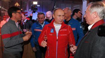Nimeni nu se astepta sa il vada facand asta! Putin a mers la o petrecere cu sportivii de la Soci. Ce s-a intamplat VIDEO