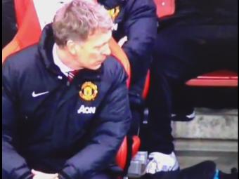 Imagini INCREDIBILE cu David Moyes! Cum a fost surprins pe banca in timpul meciului cu Arsenal
