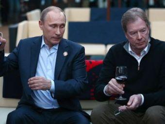 Hai ca VIN sa bem PUTIN :) Vizita neasteptata: Vladimir Putin si-a facut aparitia in tabara delegatiei americane de la Soci! FOTO