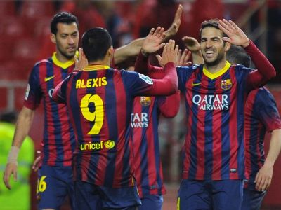 Vedetele Barcelonei au plecat catre Manchester! Fabregas a postat o poza din avion