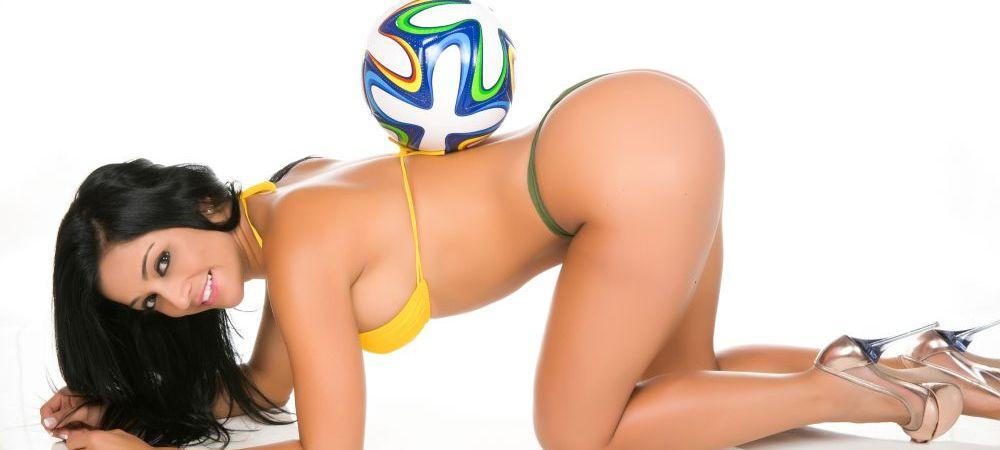 ELE prezinta mingea pentru Brazilia! Forme nebune si super SEXY inainte de CM! Super Galerie FOTO