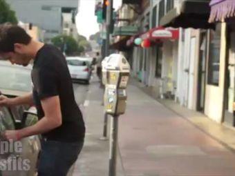 VIDEO Experimentul care i-a SOCAT pe americani: ce se intampla cand un barbat alb si unul de culoare incearca sa fure o masina!