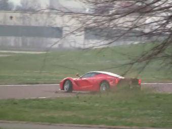Noul Ferrari LaFerrari de 1000 CP e un monstru! Pilotul de F1 Kimi Raikkonen n-a putut sa-l controleze! Ce s-a intamplat in timpul testelor: VIDEO