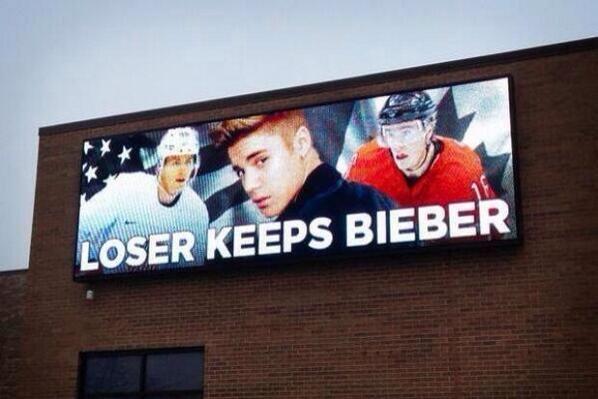 Imaginea zilei in America! Ce s-a intamplat cu reclama cu Justin Bieber, dupa ce SUA a pierdut meciul cu Canada la Soci