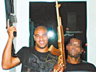 Explicatie senzationala a lui Adriano :)) Ce spune despre poza in care a aparut alaturi de un traficant de droguri brazilian: