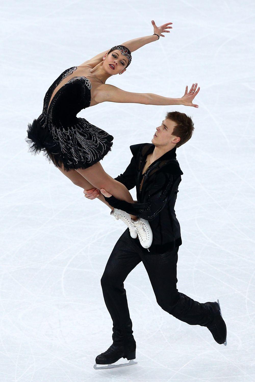 Elena Ilinykh si Nikita Katsalapov concureaza la Jocurile Olimpice de la Soci.