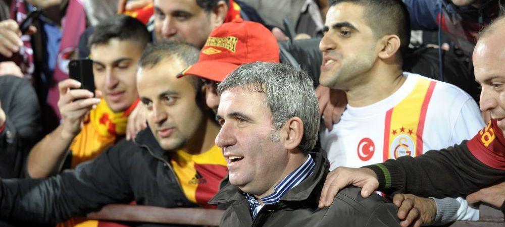 Regele, primit ca un HAGI pe stadion la Galata - Chelsea :) 50.000 de turci au innebunit cand l-au vazut in tribune!