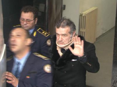 Gigi Becali, din nou la spital! Patronul Stelei a fost transportat in aceasta dimineata la Constanta